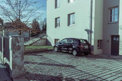 Kathleen Kreibich Praxis für Ergotherapie Dresden Gruna - Eingang und Praxisparkplätze über Tetschener Straße